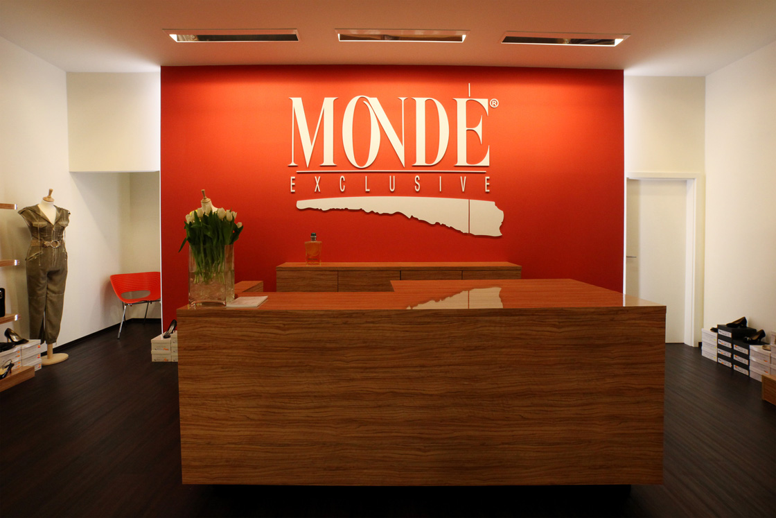 Boutique Monde Exclusive